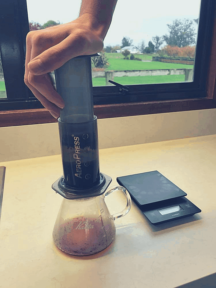 Plunging an aeropress when brewing using the Bypass method